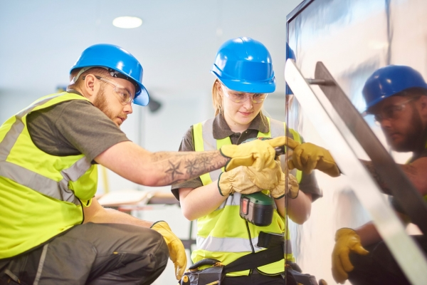Apprenticeships should start at 16 and last three years, says new report